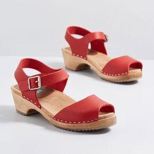 NWOT Modcloth Skansen Strut Sandals in Red